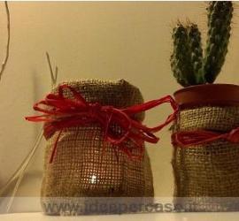 vasetti di vetro decorati con la iuta