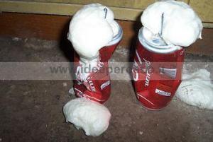 riempire la lattina con schiuma poliuretanica