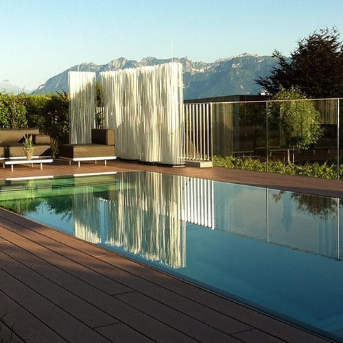 Piscine Miroir Avec Volet Roulant Integre Steel And Style