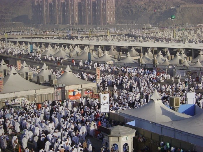 Tabara de 4 milioane de locuri, tinuta goala in Arabia Saudita. Este folosita pentru pelerini doar cateva zile pe an…