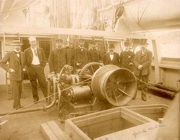 Parte din echipajul navei Belgica