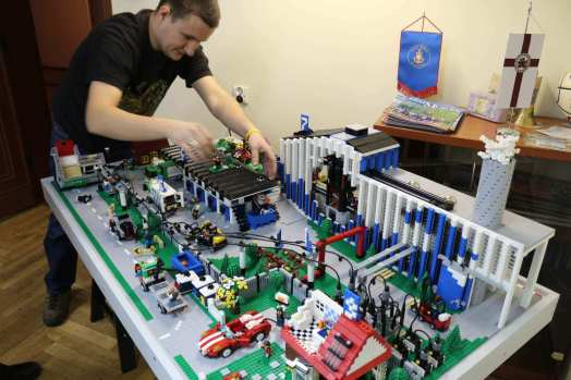 model building companies tahat will make personalised lego 4 you IdeoBricks