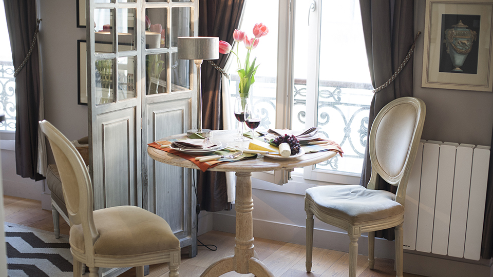 Tiny Studio Apartment With Stylish Parisian Decor