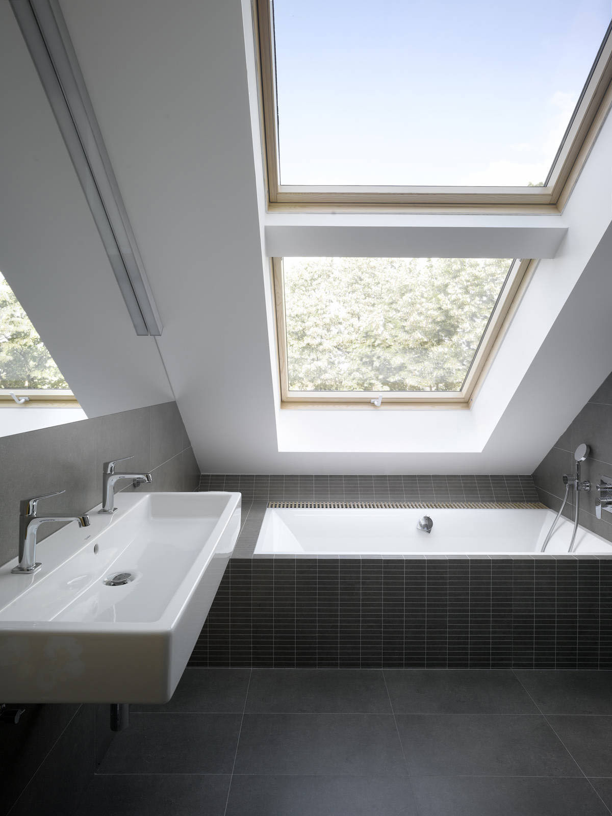 Small Attic Loft Apartment In Prague | iDesignArch ... on Modern:kkgewzoz5M4= Small Bathroom  id=63726