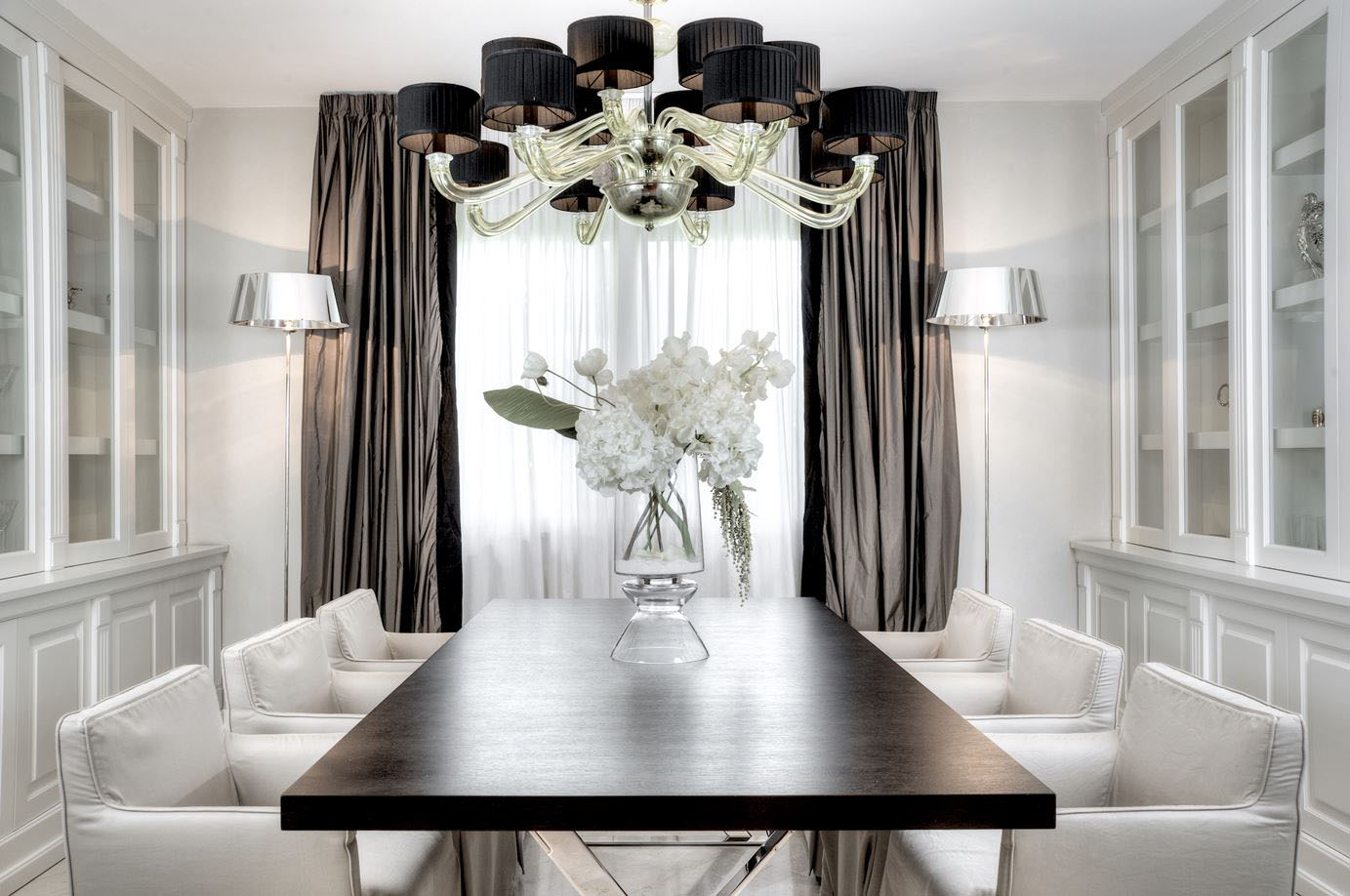 Luxury Home Interior With Timeless Contemporary Elegance