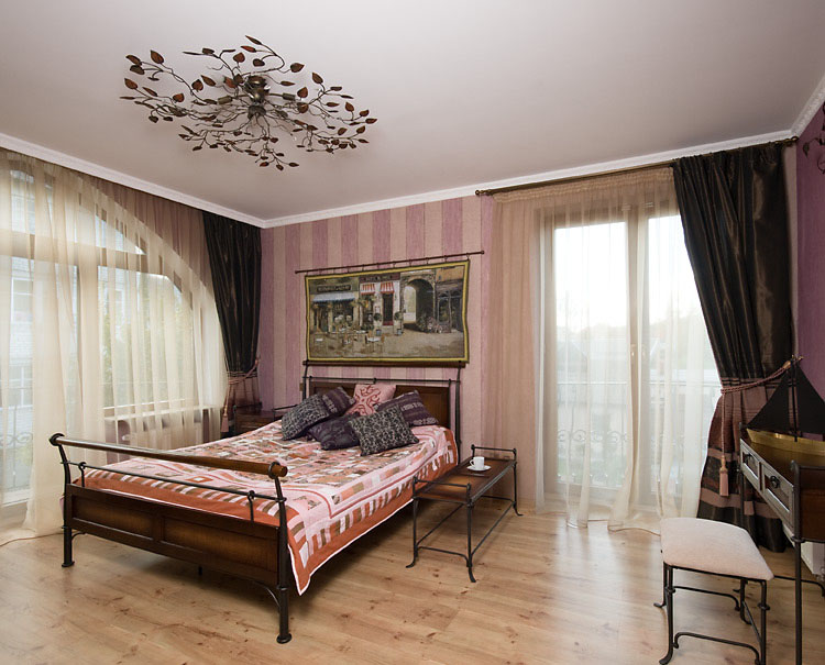 Rustic Farmhouse Style Furniture