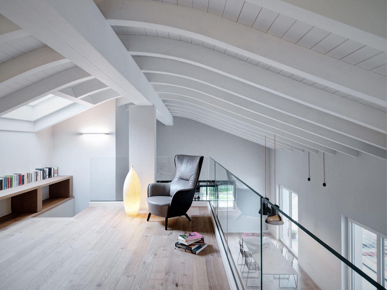 Double Height Loft Mezzanine Glass Staircase 14