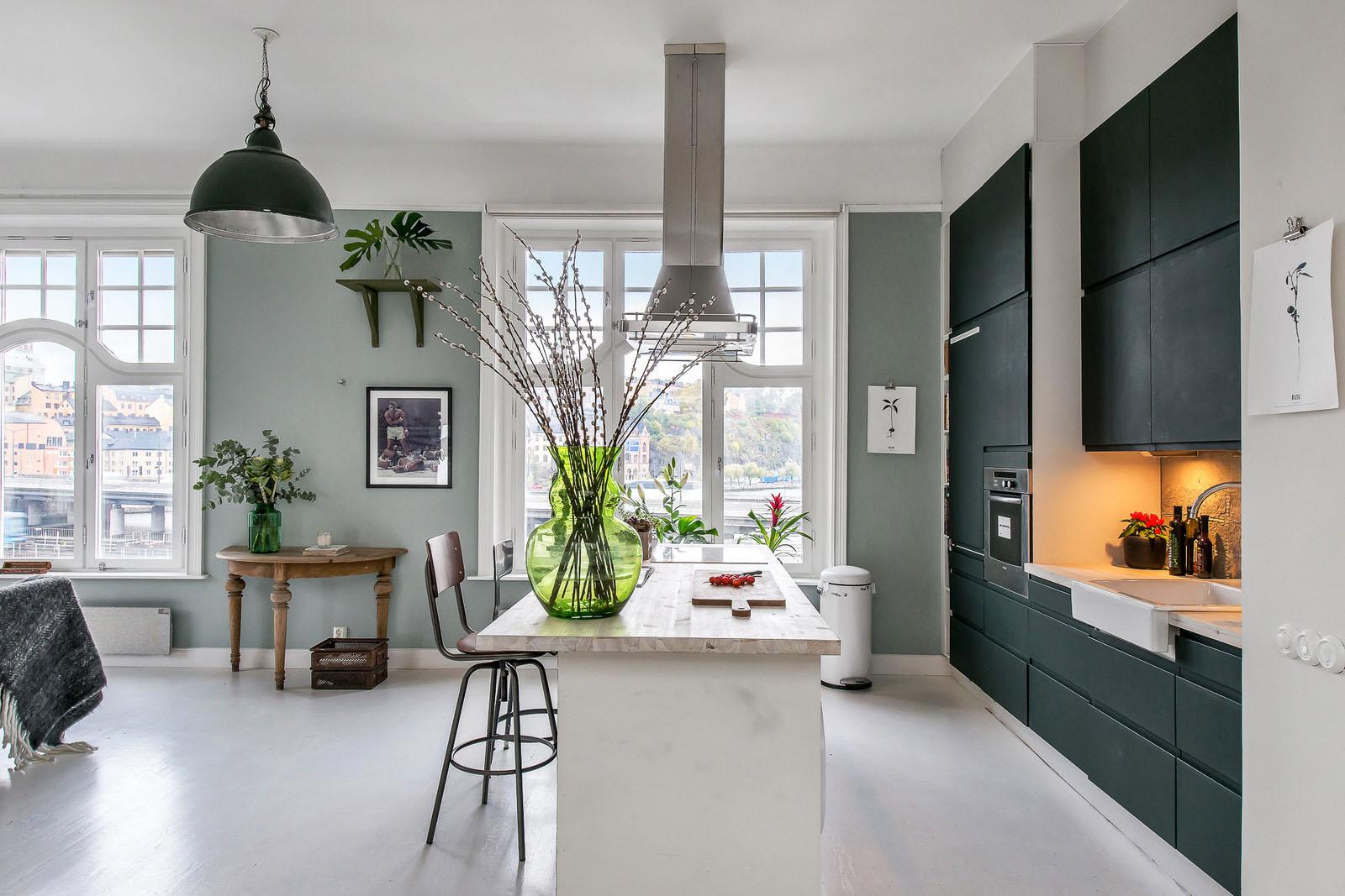 1 000 Square Foot Apartment Exudes Casual Elegance