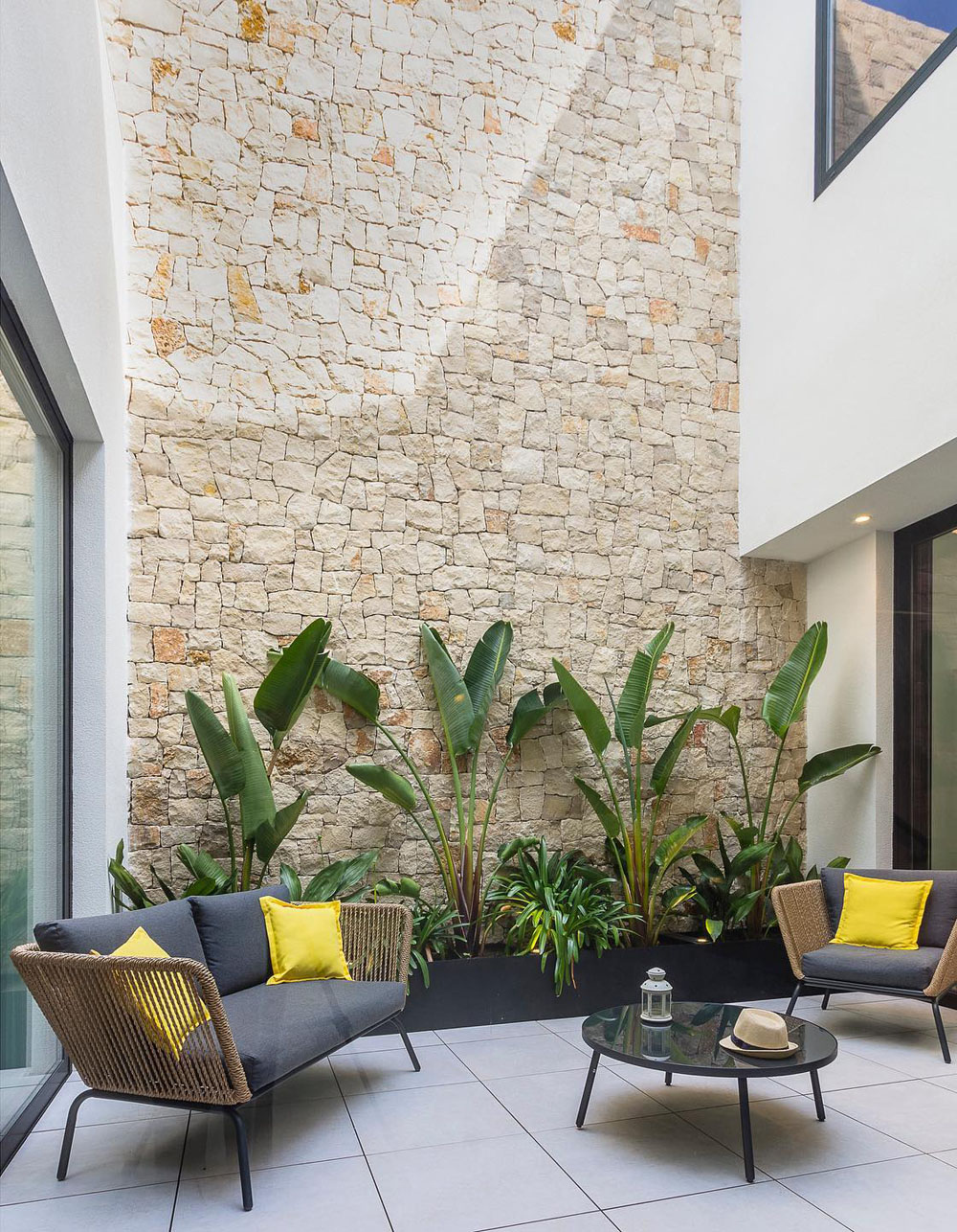 Inspiring Cozy Courtyard Patio Ideas for Urban Homes ... on Courtyard Patio Ideas id=91599