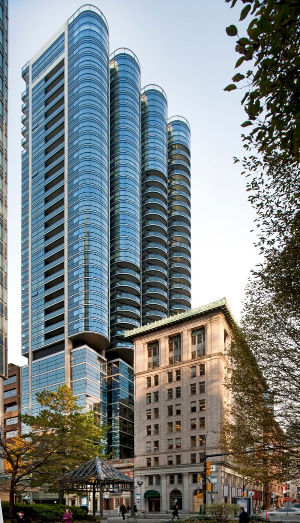 Luxury Jameson House Condo By Foster + Partners ...