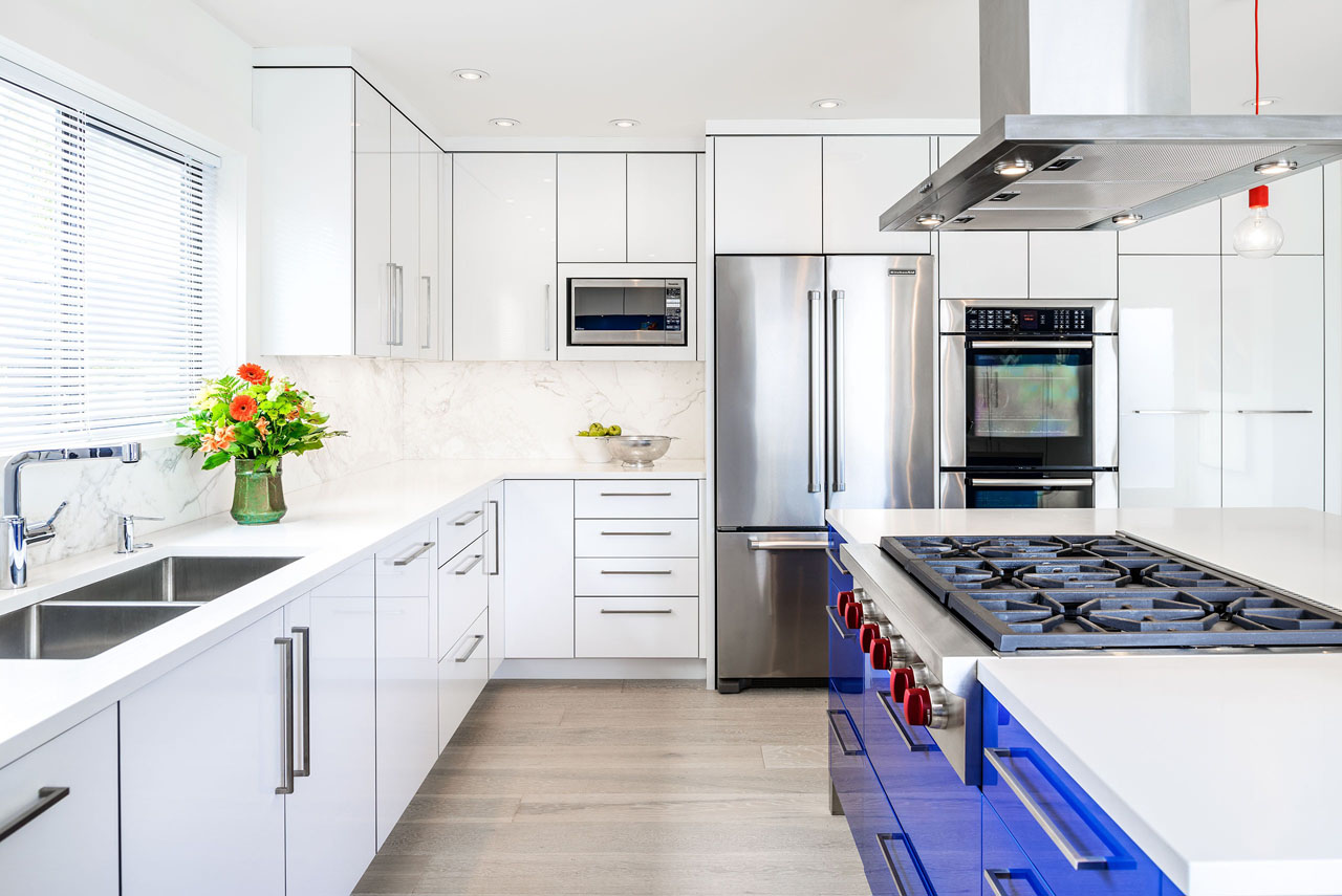 Inspiring Contemporary Luxury Custom Kitchen Designs ... on Ultra Modern Luxury Modern Kitchen Designs  id=71207