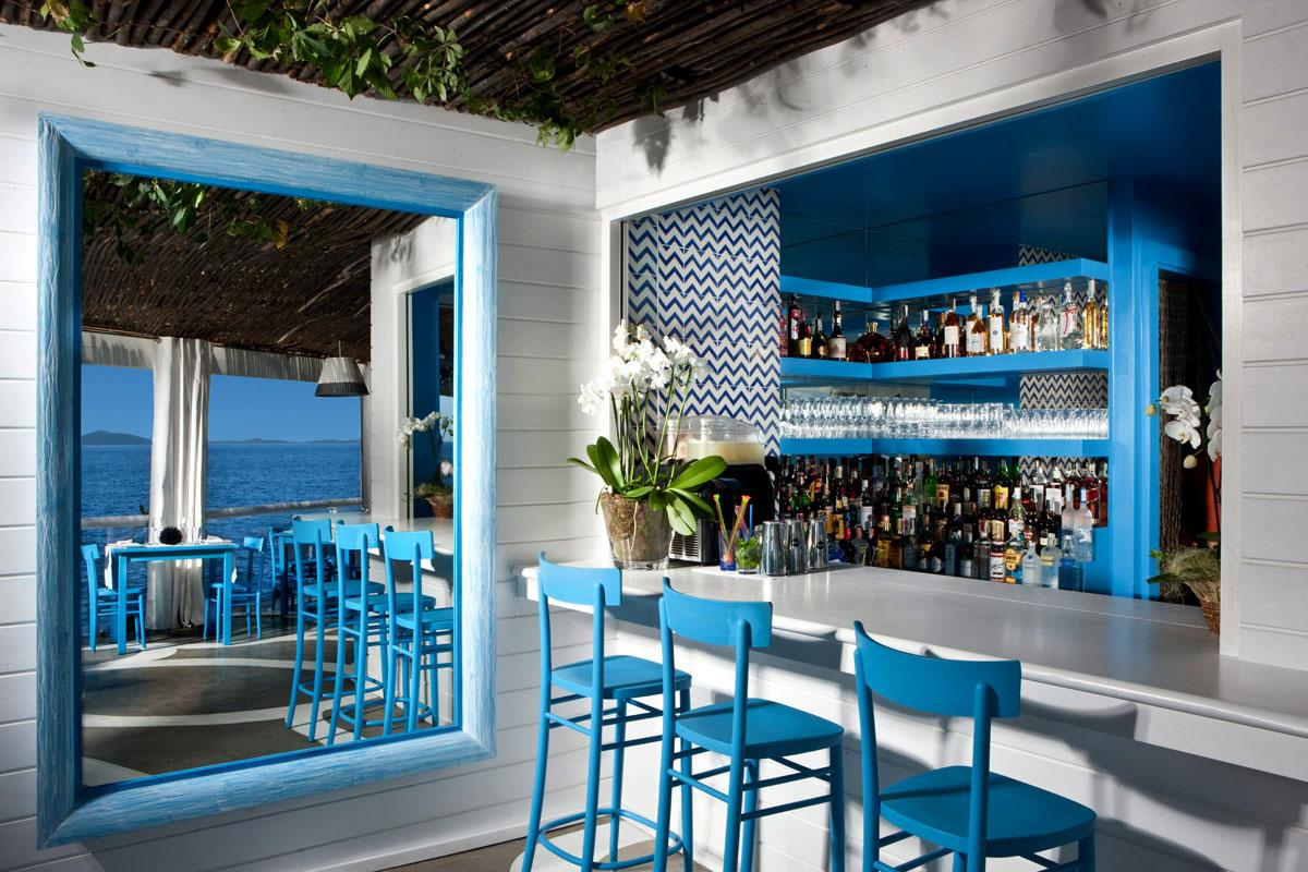 Il Riccio Stylish Waterfront Restaurant In Capri
