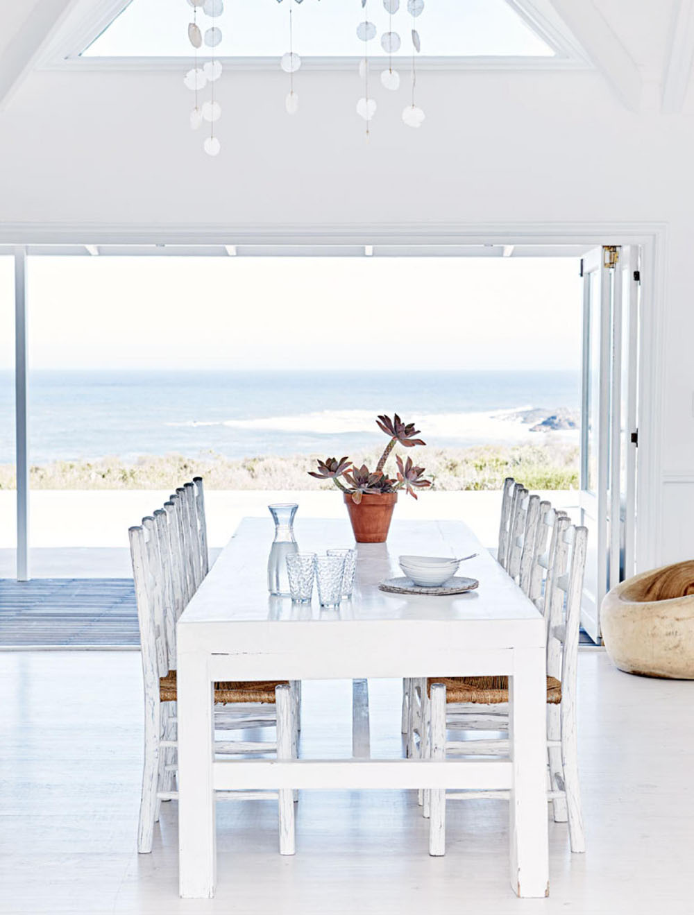 This Relaxed Contemporary Beach House Is The Ultimate ...