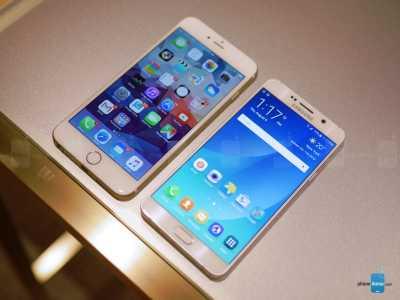 iPhone 6 Plus vs Samsung Galaxy S6 Edge+ 1
