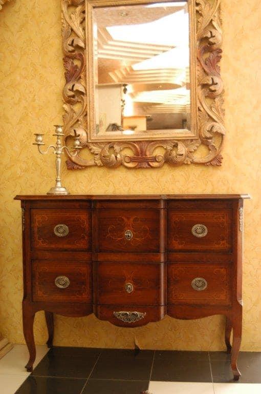 I mobili per ingresso classici rendono caldo e confortevole l'ambiente qualunque sia la sua dimensione: Cassettiera Per Ingressi In Stile Classico Idfdesign