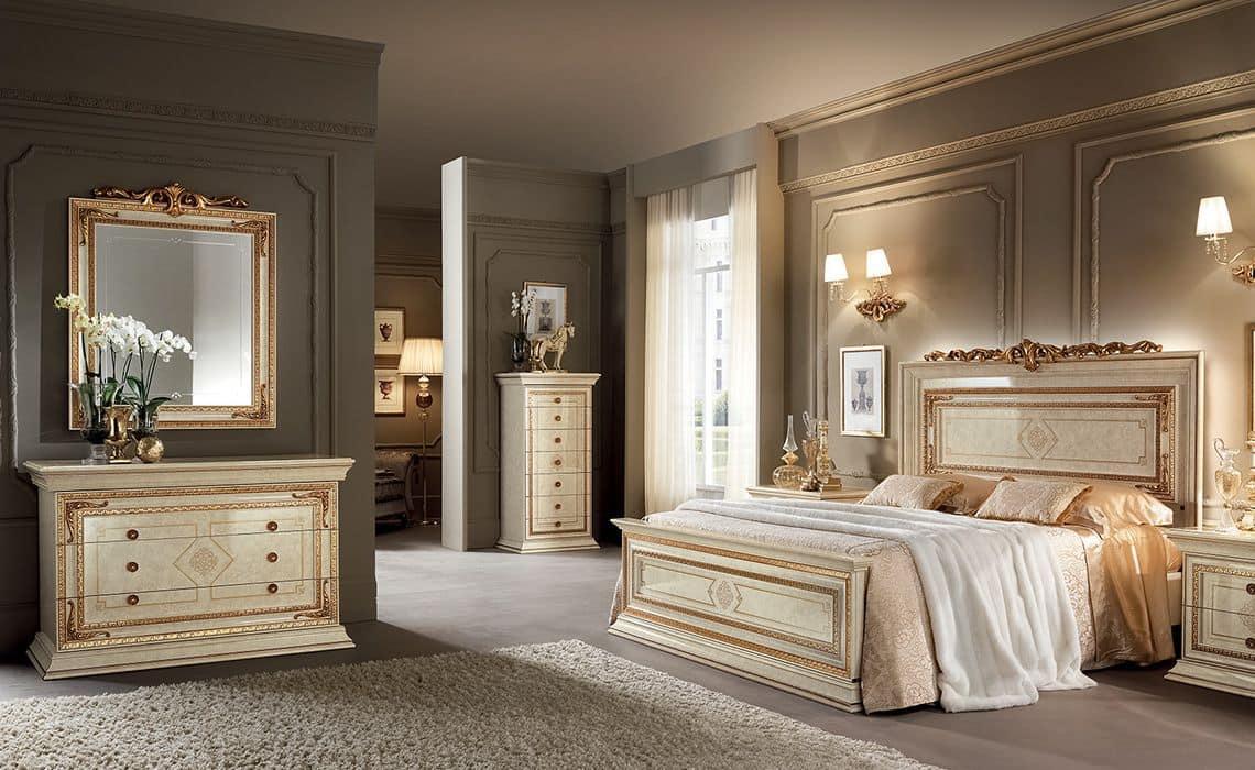 Un collezione di camere da letto classiche esclusive, la camera si veste di finiture e tessuti accurati, ma semplici ed eleganti, dove la luce risalta la. Camere Da Letto In Stile Classico Color Avorio Con Finiture Color Oro Idfdesign