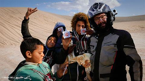 bambini-volpe-del-deserto-sahara-tunisia-ong-jmal-copertina