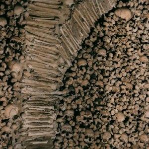 portogallo-in-moto-cappella-di-ossa-umane-5