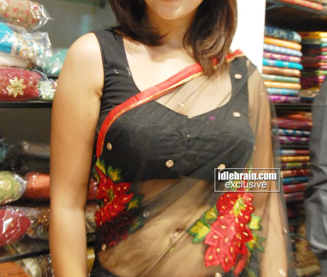 Richa G Showing Her Sexy Navel N Sexy Figure In Transparent Saree At Event Dont Miss