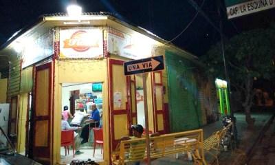 La cafetería que vende sandwich de tiburón y arenque en Barahona
