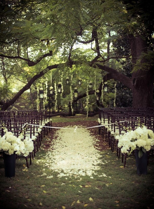 Vow Renewal Ideas | Set The Scene With These Amazing Outdoor ...