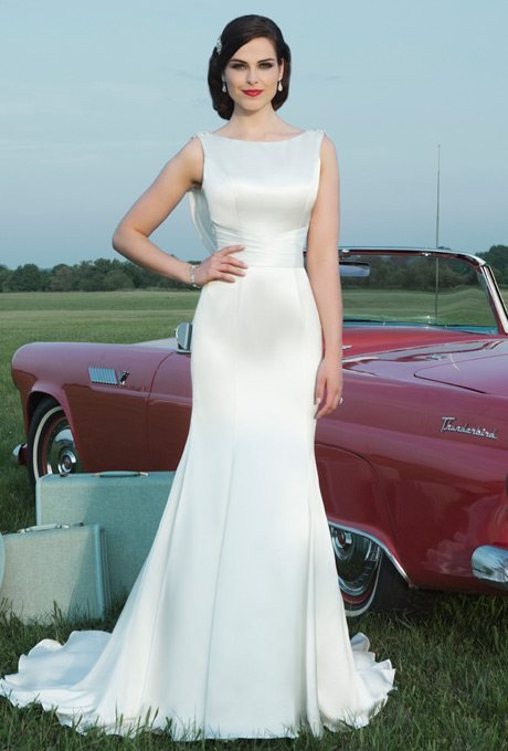 Wedding Gift Ideas Second Time Around : Sophisticated and timeless, this gown will make you feel like a bride ...