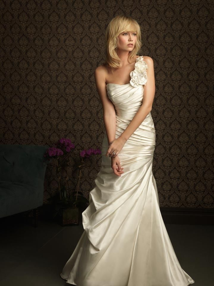 4643c1c004ca beautiful vow renewal dress Source:  http://www.pinterest.com/pin/27514247694594606/