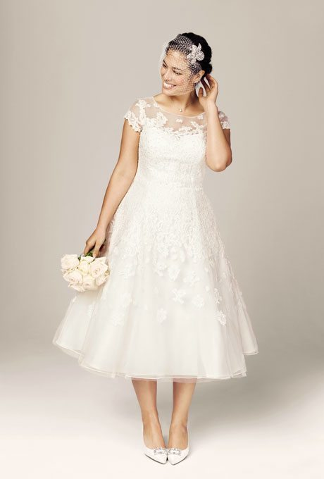 23321b89df93 Tea-Length Beauties for Older, More Sophisticated Brides