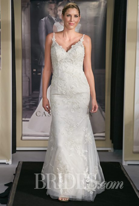 Plus-Size Body Hugging Wedding Gowns