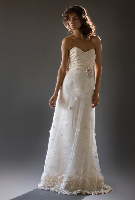 iris_cocoe_voci_wedding_dress_primary