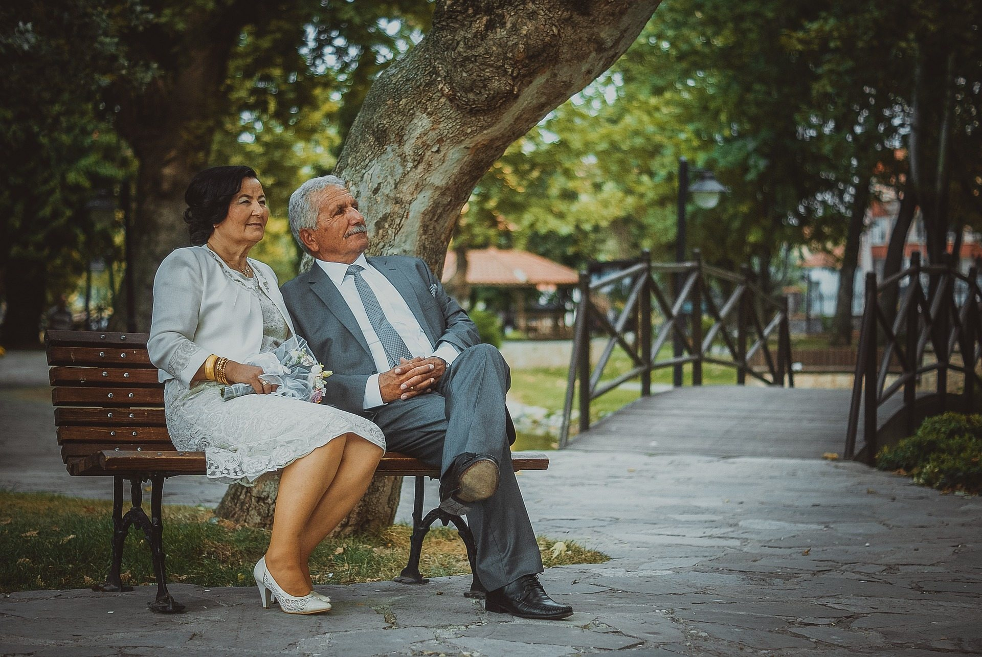 5 Wedding Gift Ideas That Are Perfect for Older Couples | Second ...