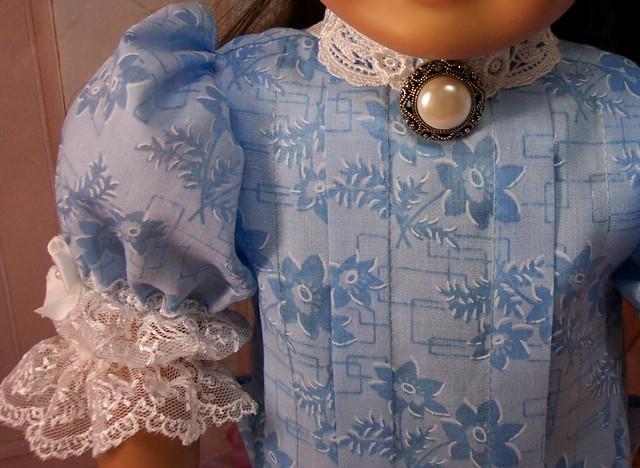 sams blue frock collarbutton