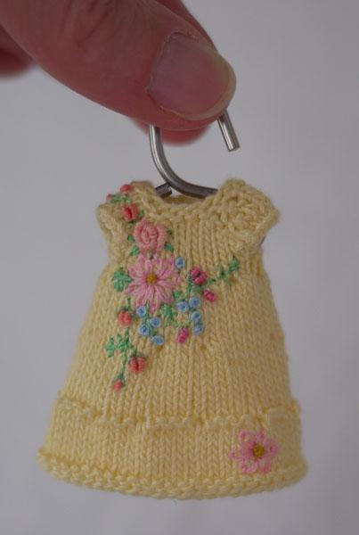 blog cindy Rice yellow dress on hanger