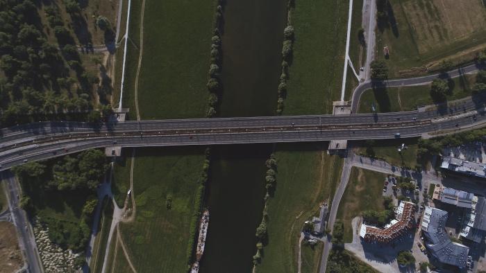 TASSA RIFIUTI – Cassazione – Ordinanza 1341 del 18/1/2019 – Aree autostradali – Intassabilità