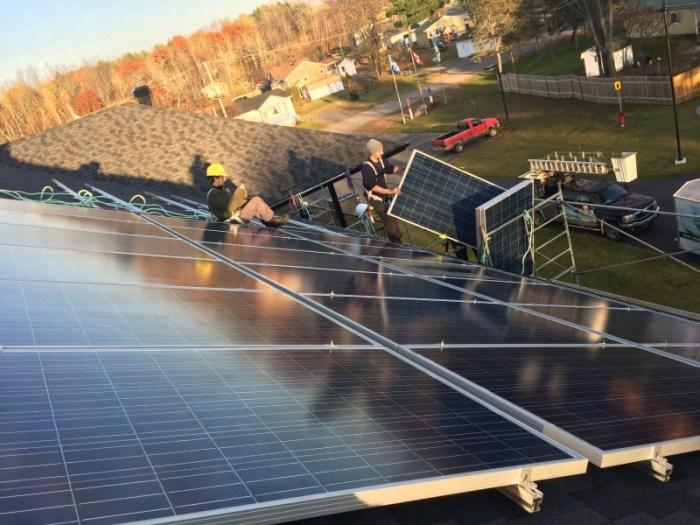 Odanak 36 panneaux solaire 9000w installation solaire connectée au réseau au Québec