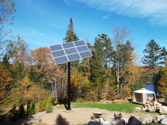 12 panneaux solaires sur pointeur - Québec