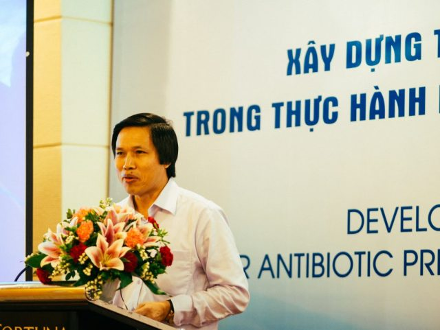 Dr Cao Hung Thai, Vice Director of Medical Services Administration, opens the workshop