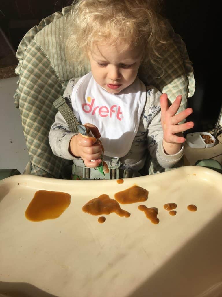 Messy Toddler Play at idyllicpursuit.com