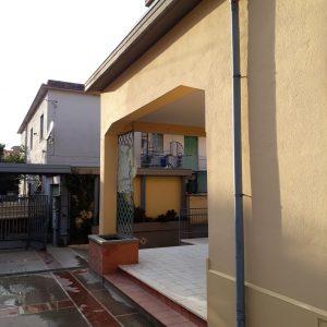 Interventi di ristrutturazione in facciata abitazione Aprilia