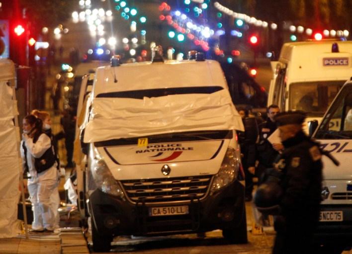 Τρόμος στο Παρίσι: Τζιχαντιστής γάζωσε αστυνομικούς - Ενας νεκρός