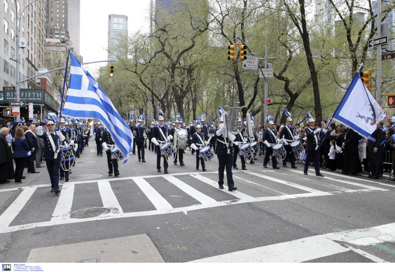 "PARELASI-FILARONIKI-SHMAIES ""Μακεδονία ξακουστή"" ήχησε στην 5η Λεωφόρο του Μανχάταν"
