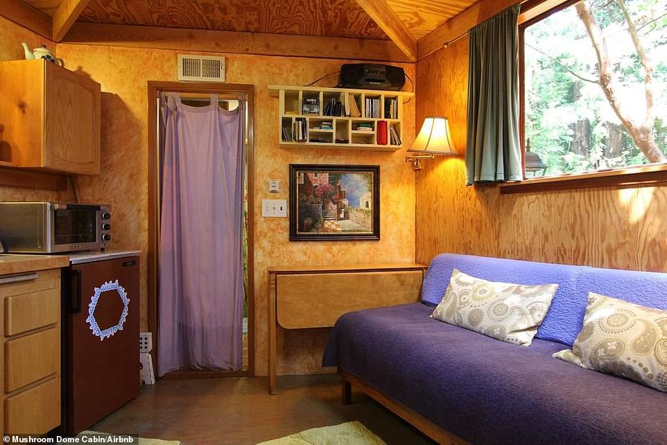 Ο εσωτερικός χόρος του Mushroom Dome Cabin