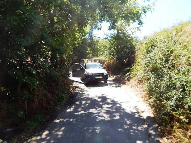 Το αυτοκίνητο του θύματος στο οποίο οι δράστες φέρονται να έστησαν ενέδρα πριν αφαιρέσουν τη ζωή του 63χρονου σύμφωνα με το κατηγορητήριο