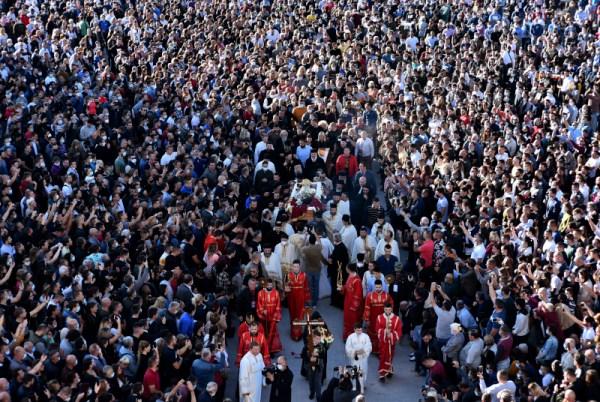 κορωνοϊός η κηδεία του Μητροπολίτη Μαυροβουνίου και Παραθαλασσίας Αμφιλόχιου