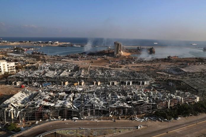 Κατεστραμμένα κτίρια στο λιμάνι Βηρυτού