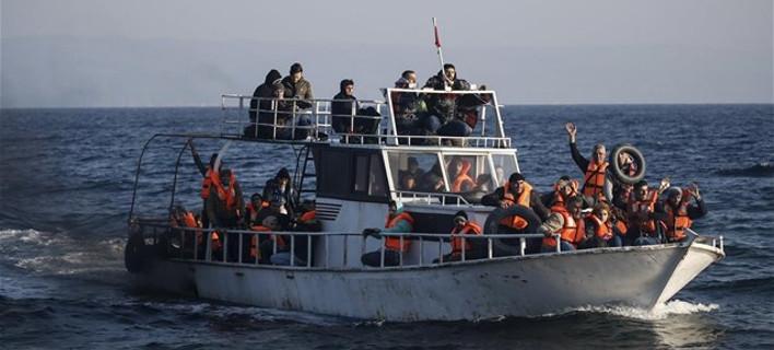 Κατά χιλιάδες έρχονται ξανά οι πρόσφυγες στη Μυτιλήνη -Μόνο χθες, 1.200