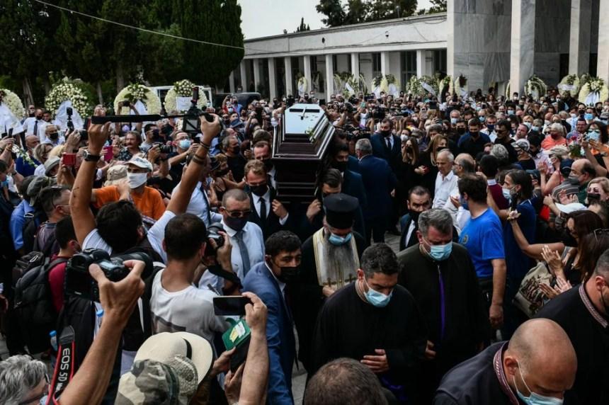 Κηδεία Τόλη Βοσκόπουλου