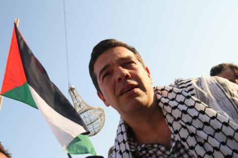 Αποτέλεσμα εικόνας για Τσιπρας φωτογραφιες παλαιστινιακη μαντιλα