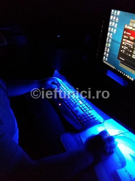 bandă cu LED