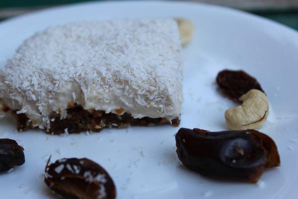 blat prăjitură caju și curmale